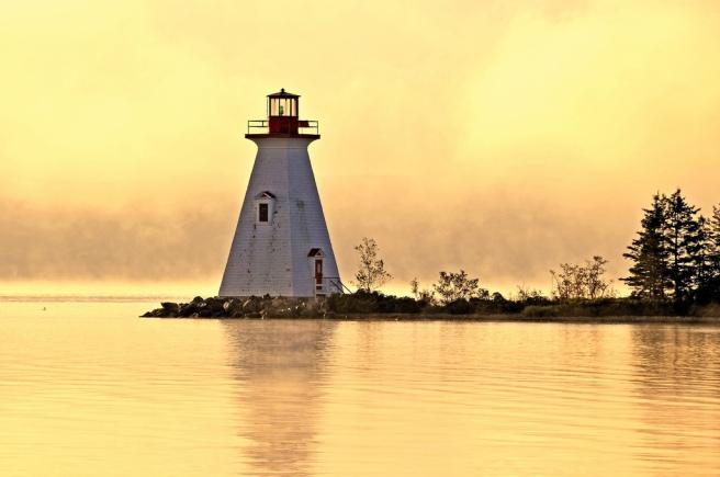 Lighthouse_Dennis_Jarvis_flickr